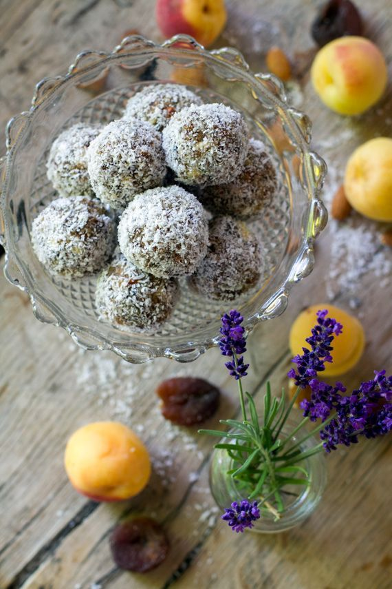 Paleo & gluten free apricot and lavender energy bliss balls made with nuts and no refined sugar.