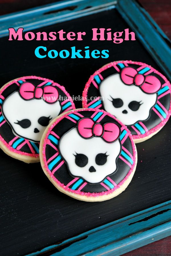 Haniela's: Monster High Skull Cookies