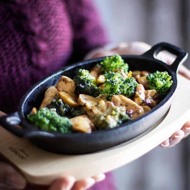 Chicken with broccoli casserole in #lacormenaje sizzling platter #verrax #accessories #table #tableware