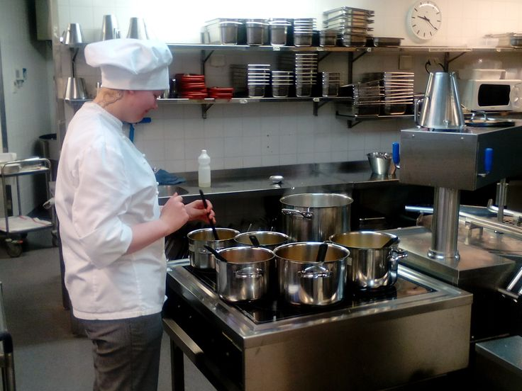 Laura on ollut meillä muutaman viikon oppimassa dieettien kokkailua! Eli koulutus jatkuu taasen!