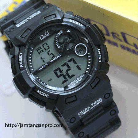 Produk jam tangan Q&Q M142 digital original merupakan produk tipe digital dengan model yang sporty sehingga Anda akan terlihat semakin stylish ketika jam ini dipakai di tangan Anda. Jam ini mempunyai strap canvas dan mempunyai fitur: format waktu 12/24 jam, design sporty, dan tahan air sedalam 100 meter