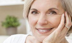 Een goedkope manier om het grijze haar te lijf te gaan: zet oude aardappelschillen in.