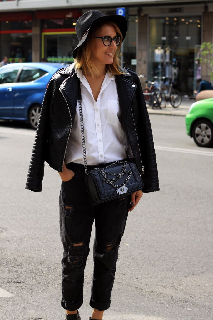 Streets of Milan during Milan Fashion Week SS16 streetstyle, distressed jeans, white shirt