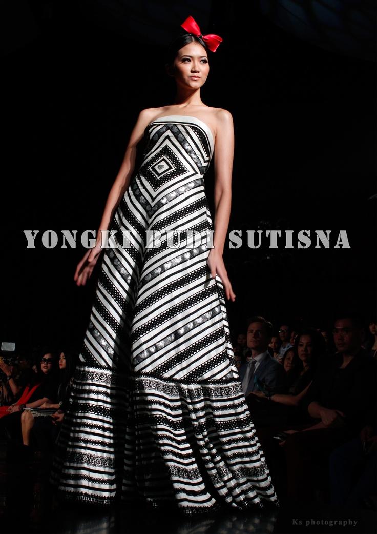 "Fashionshow ""Energie"" - IPMI  @ Yongki Budi Sutisna  www.fashionbiz.co.id"