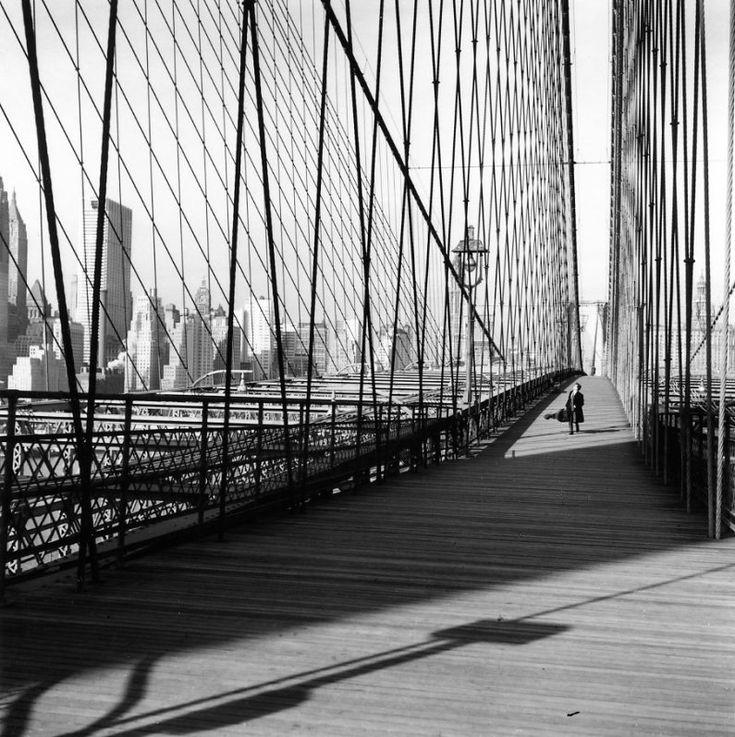 Le pont de Brooklyn —Robert Doisneau; 1960