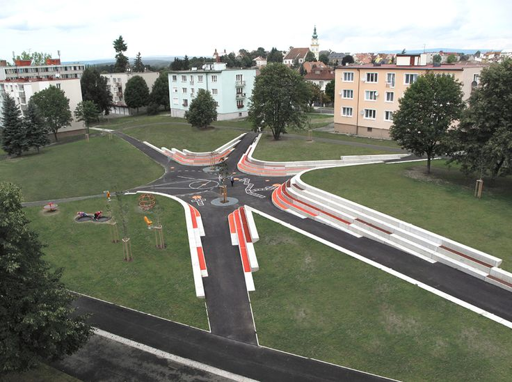 XTOPIX - Parkové náměstí na sídlišti Fučíkova 2012