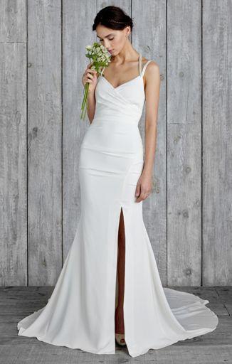 Stunning Nicole Miller sexy wedding dress Sexy Wedding Dresses That Rocked the Runways