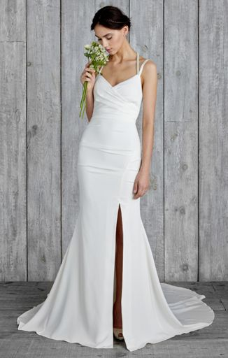Nicole Miller sexy wedding dress | 17 Sexy Wedding Dresses That Rocked the Runways