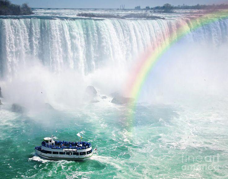niagara falls   rainbow-and-tourist-boat-at-niagara-falls-elena-elisseeva