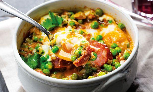 Um petisco muito fácil de preparar, e relativamente rápido, as ervilhas com ovos escalfados são sempre uma boa solução. Um almoço sempre bom de repetir.