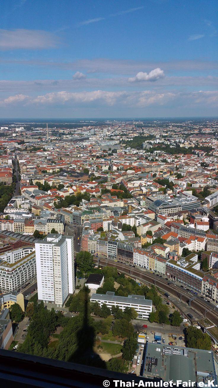 Berlin vom Fernsehturm aus gesehen in 203 Metern Höhe #Berlin #Fernsehturm #TV #Tower