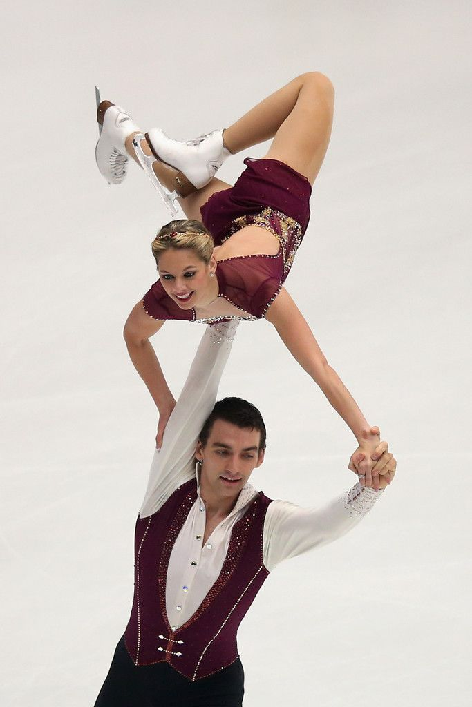 knierim singles There was disappointment for the united states in the figure skating at the 2018 winter olympics, as alexa scimeca knierim and chris knierim could only finish 15th in the pairs on thursday in south korea.