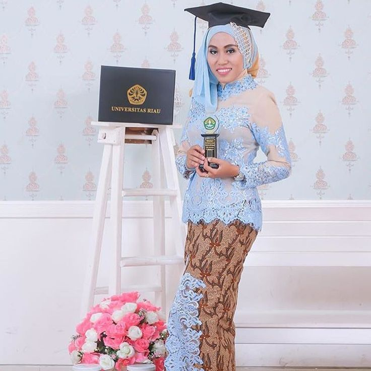 Graduation kebaya inspiration from kak Indah  . Makasih kak cantik selalu ya . Tag kebaya/gaun idaman mu ke @desainkebayacantik . #designkebaya #inspirasikebaya #kebayamodern #kebayapernikahan #kebayahamil #kebayalucu #gaunmurah #gaunpilihan #gaunlucu #gauncantik #kebayakita #gaunpesta #gaunmalam #kebayaindonesia #kebayapilihan #kebayacantik #kebayawisuda #kebayatraditional #gaunmalam #gaunpernikahan by desainkebayacantik