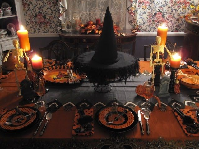 find this pin and more on halloween place setting by scprestly - Halloween Place Settings