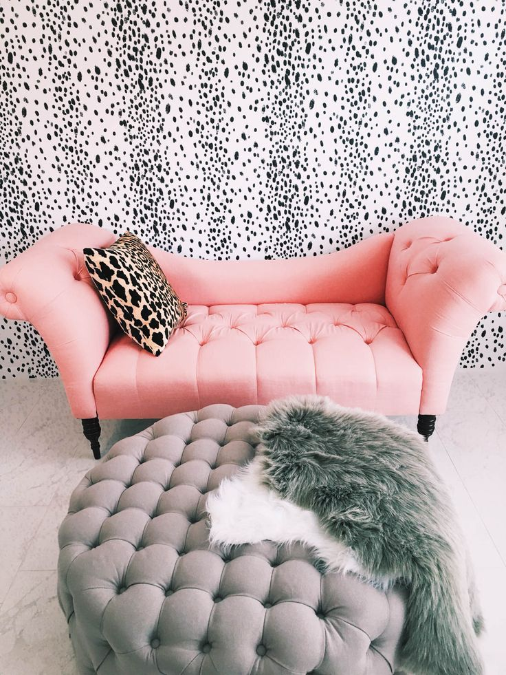 tufted chaise so cute