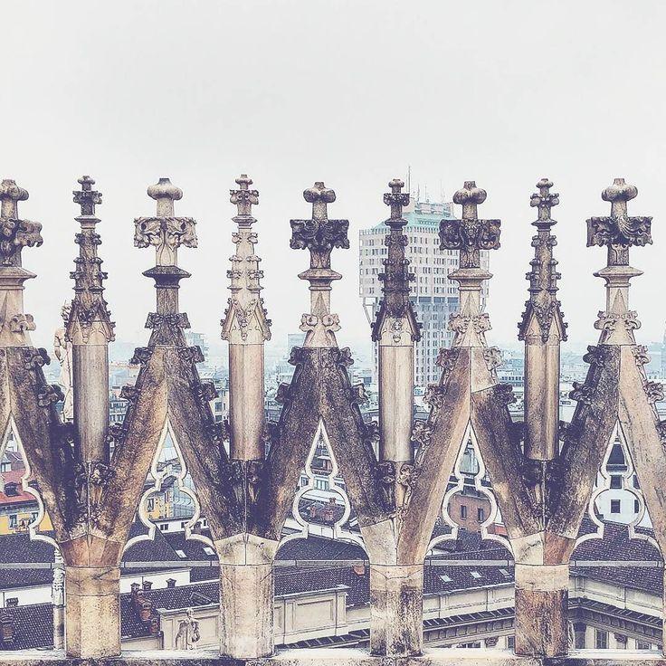 Oggi i turisti in città siamo noi!  #terrazzedelduomo #guglie #torrevelasca