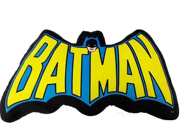 Cojín logo clásico letras Batman 34 cm. DC Cómics  Bonito cojín con el logo de Batman en forma de letras ideal para ambientar y decorar esa habitación o sala de estar, fabricado en material de poliéster, muy suave al tacto y por supuesto 100% oficial y licenciado.