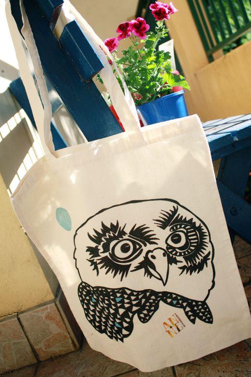 Canvas Bags on The Loop © Anne Nicholson