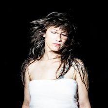 ELISA ha appena annunciato, attraverso i propri canali social, il suo atteso ritorno live! Biglietti in vendita dalle ore 17 del 17 dicembre su TicketOne.it!