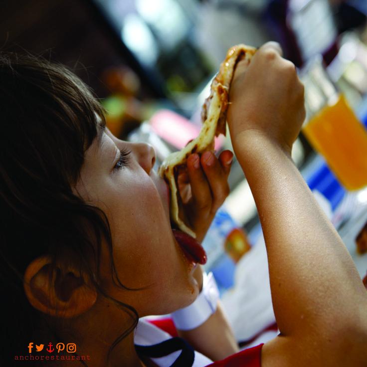 Kids love our pizza  PIZZA LOVERS ⚓ ANCHOR Cafe & Restaurant - BOOKINGS: (02) 9922 2996 - Taste the difference!  #pizzalovers #pizzalover #pizzaalove #pizzatime #authenticpizza #italianpizza #pizzaheaven #pizzaparty #sydneyrestaurants #sydneycafes #sydneyrestaurant #sydneycafe #sydneylife #sydneylocal #sydneyeats #sydneydining #sydneypizza #sydneypizzeria #wineanddine #pizzaandpasta #pizza #gourmetpizza