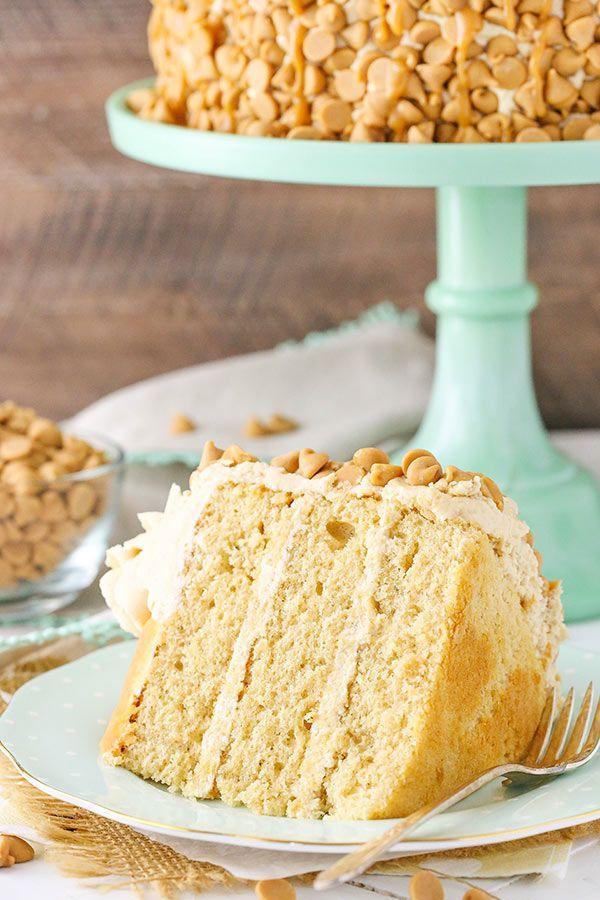Cargado Tarta de capas de mantequilla de maní!  La mantequilla de maní en el pastel, glaseado y la decoración!