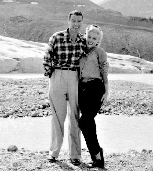 """ Marilyn and Joe in Canada in August 1953. """