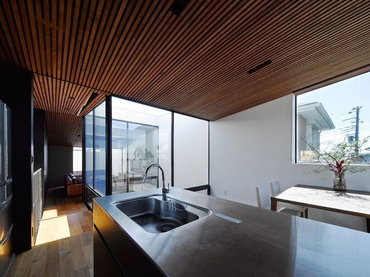 wave house / apollo architects and associates