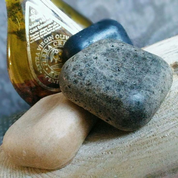 Натуральное мыло с добавлением угля, на козьем молоке, мыло-скраб кофейный.