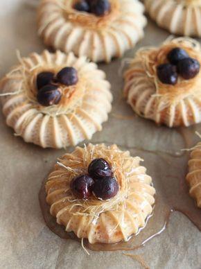 Comme la fête de l'Aid approche, je vais essayer de vous proposer une série d'articles autour de la pâtisserie et autres gourmandises. J...