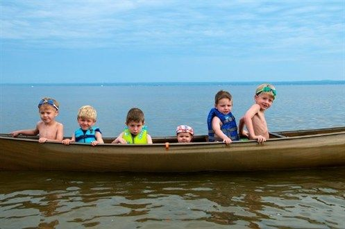#canoe #kids #holidays  Modern hard-plastic Canadian canoe with space for maximum 2 adults and 1 child under 10 years at Ria de Alvor. Read more about the canoe trips at http://www.greatholidaylocations.com/things-to-do/choose-an-activity/canoe-trips/