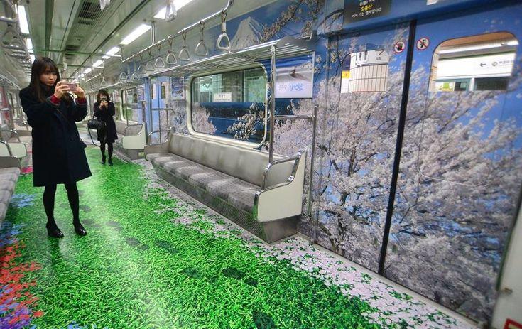 Quien crea que viajar en el metro de cualquier ciudad no puede ser una experiencia mágica, debería darse una vuelta en los próximos meses por Seúl. La capital de Corea del Sur acaba de estrenar un nuevo diseño en la línea 7 de su metro y ha transformado cada vagón en un lugar del mundo.