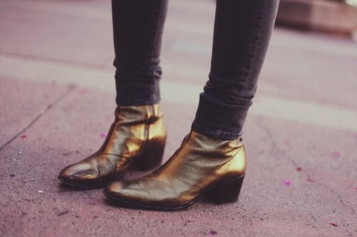 Gold Chelsea Boots on Alison Mosshart