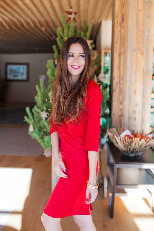 Natale 2015: un vestito rosso disegnato da me ed i miei auguri di buon Natale!