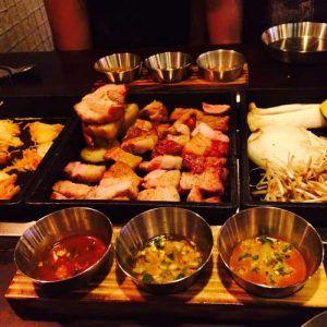 Lors de notre voyage en Corée du Sud, nous avons bien évidemment mangé un barbecue coréen. Si vous avez la chance d'en manger, n'hésitez pas!