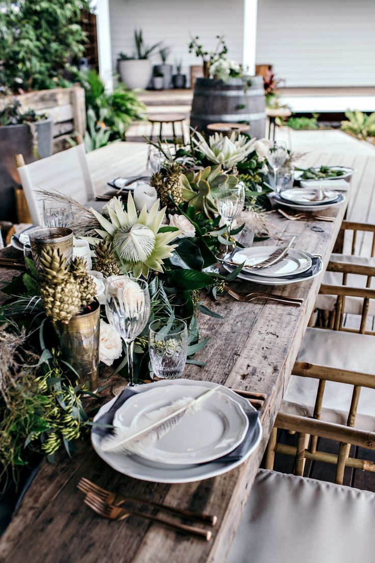 This is definite inspo for my next tablescape... living in the Jungalow -The Grove Byron Bay