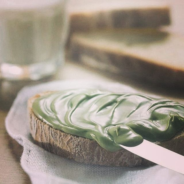 "Follow Us on Insta @usitalianfood Sweet or savory? This time sweet.""Sweet comes first"" our first Italian gourmet box contains also a pistachio cream spread by@trimarchi_di_villa_marchese , high quality gourmet products only from a Sicilian chain. Our favourite match? The simplest one to fully taste the flavour, fresh bread with sicilian pistachio cream!What about yours?#italy #italianfood #sicilia #eat #food #foodporn #wildernessculture #instafood#foodie#healthy #culture #holiday"