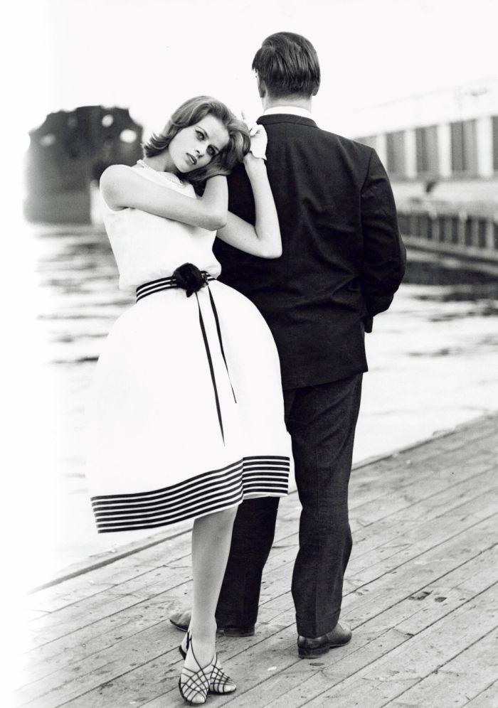 Me Naiset -lehden ensimmäisen mallikilpailun vuonna 1961 voitti kauhavalainen Hellevi Keko, 17. Me Naisten kustantajana tuolloin toiminut Aatos Erkko seurasi kuvauksia paikan päällä ja päätyi kuvaan, koska valokuvaaja Caj Bremer halusi taustalle mieshahmon.