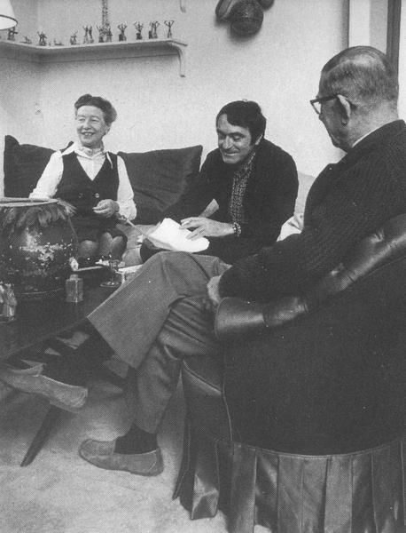 simone de beauvoir claude lanzmann et jean paul sartre chez simone de beauvoir 11 bis rue. Black Bedroom Furniture Sets. Home Design Ideas