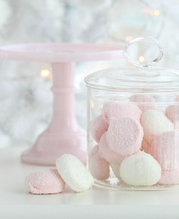 How to Make Homemade Marshmallows - great step by step instructions in this post!