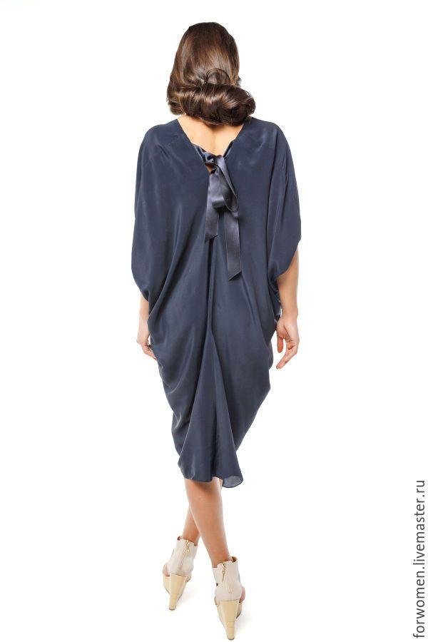 Купить или заказать Шелковая платье-блуза, темно-синяя. красиво смотрится как по отдельности, так и с юбками, узкими брюками.  Состав: шелк, хлопок  Один размер с посадкой на 42/44/46