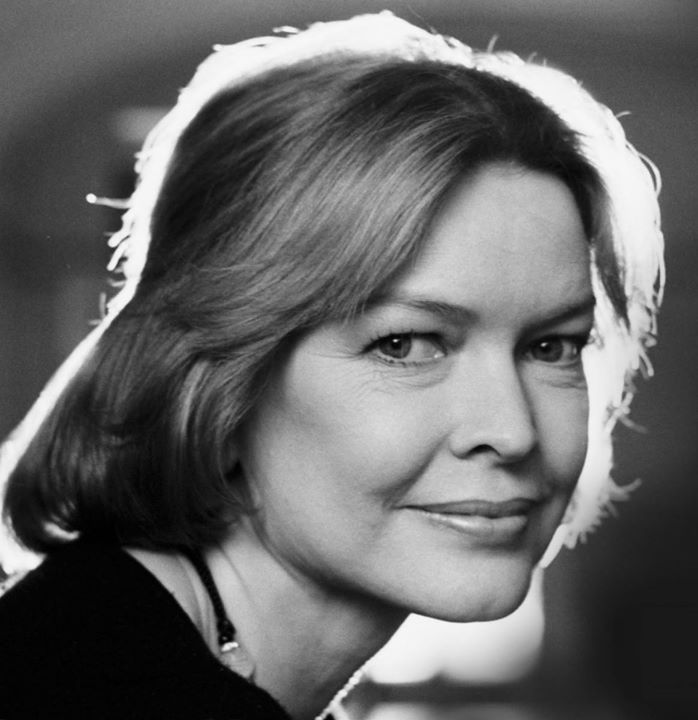 Ellen Burstyn: What a lovely surprise to finally discover how unlonely being alone can be. #EllenBurstyn #HumanNote