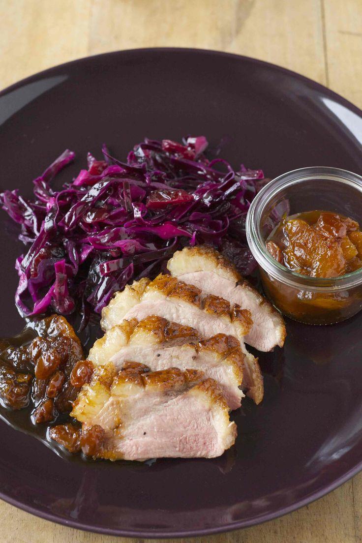 Entenbrust mit Zimt und Ahornsirup, Gewürzrotkohlsalat und Orangenchutney | my cooking love affair