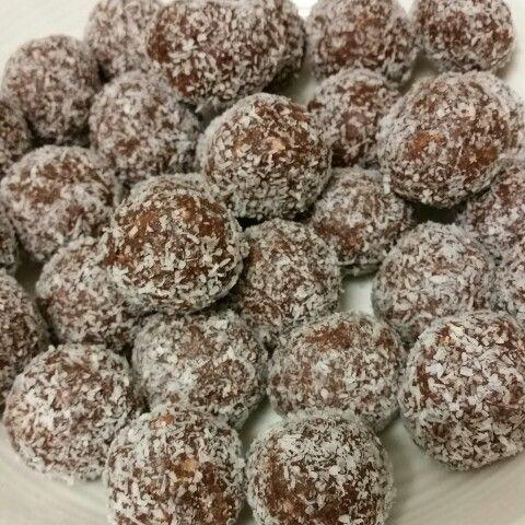 Protein peanut balls