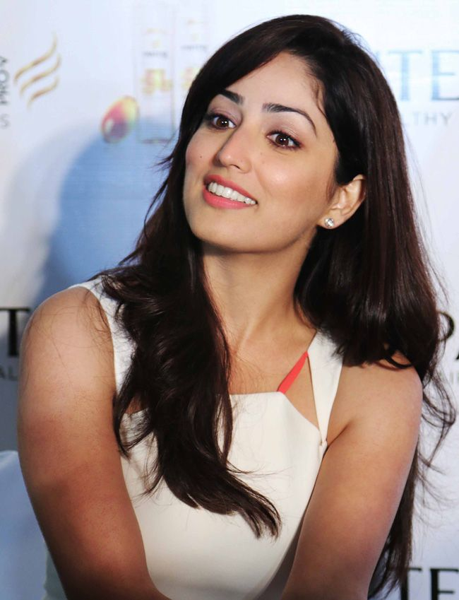 Yami Gautam at a Pantene promotional event.