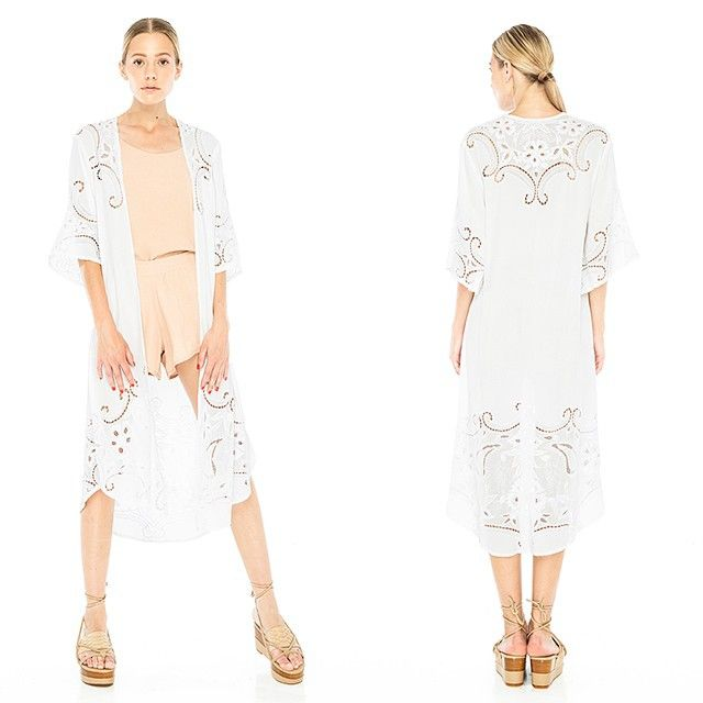 Kimono BLISS in White. @ our stores and eshop: www.umaandleopold.com