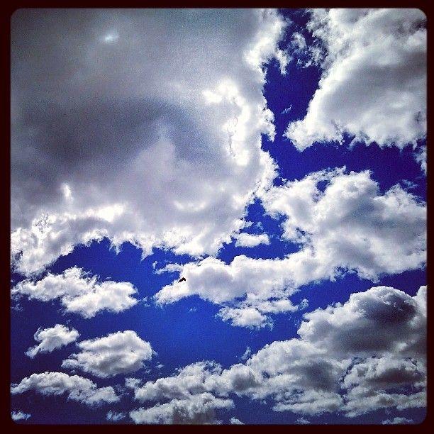 #Vuosaari #pilviä #clouds #sininenjavalkoinen