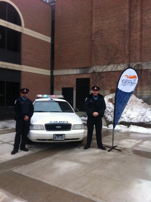 @Toronto Police Service helping out at the Four Corners event today for @Special Olympics Ontario! #guardiansoftheflame