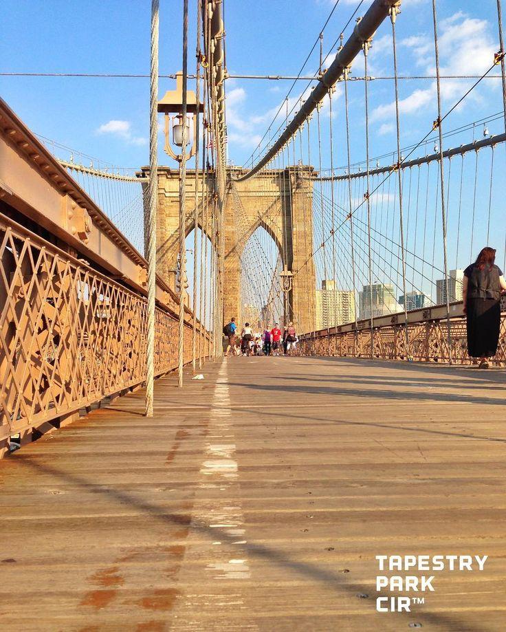 jooji まんはったんから ブルックリンへ 行くのなら 車でも 地下鉄でも なく ぜひ歩いて入りましょう  おはようございます 曇りの朝 これから下り坂 今週も頑張ろうね  #カコソラ  #landscape #landscape_lovers #instagood #instamood #instalike #happy #happytime  #happylife #写真撮ってる人と繋がりたい#写真好きな人と繋がりたい #IGで繋がる空 #空好きな人と繋がりたい #雲 #空 #ソラ #空恋部 #skylover #view #scene #sky #ig_japan #奥行き #そらふぉと #brooklyn #ブルックリン橋 #ブルックリン #橋 by tapestryparkcir
