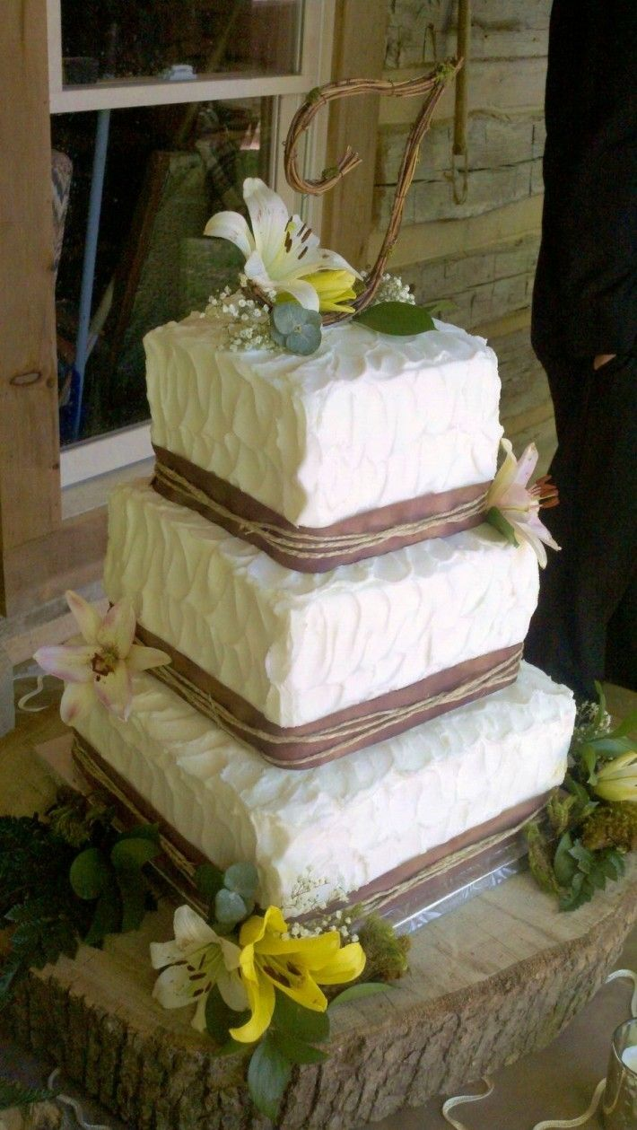 Rustic+Wedding+Cakes | Rustic Buttercream Wedding Cake | Nashville Sweets I love how this one is square!!