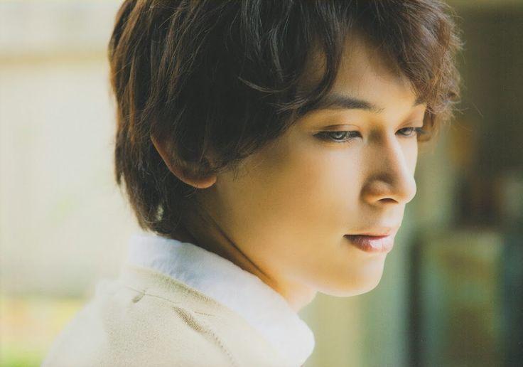 Ryo Yoshizawa(吉沢 亮)(+act.(プラスアクト) 2014年7月 1144×803)